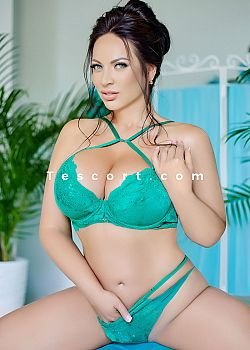Eveline Escort girl Paris