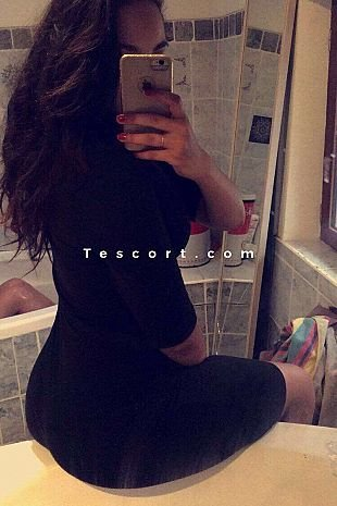 Nawel - Escort Girl Cannes